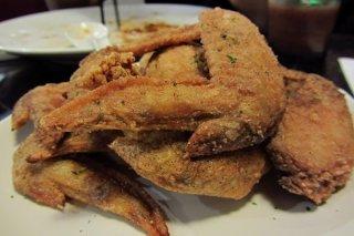 Receta de alitas de pollo fritas con ajo y limón
