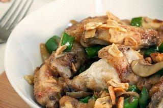 Receta de alitas de pollo al ajillo con champiñones