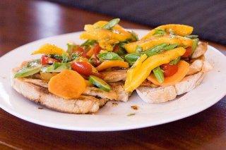 Receta de almuerzo de pollo con frutas y miel