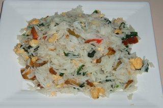 Receta de arroz con espinacas, pimientos y huevo