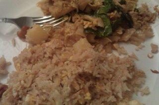 Receta de arroz frito con huevo y piña