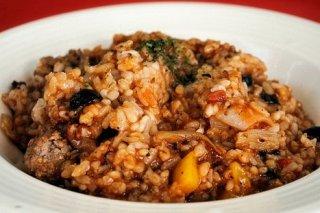 Receta de arroz integral al vino dulce con alcachofas