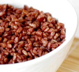 Receta de arroz rojo con setas al ali-oli