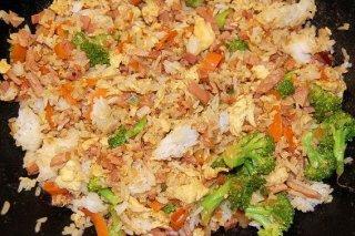 Receta de arroz salteado con brócoli