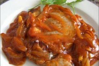 Receta de atún con tomate y patatas
