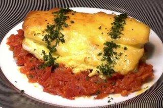 Receta de bacalao con tomate y muselina de ajo
