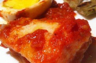 Receta de bacalao con tomates y pimientos