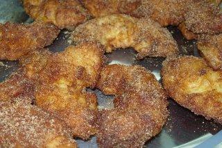 Receta de buñuelos de manzana y crema inglesa
