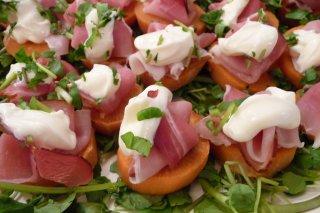Receta de canapés de zanahoria y jamón cocido