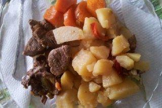 Receta de carne con patatas y zanahorias