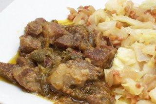 Receta de magro de cerdo con repollo, cebolla, pimiento y ajo