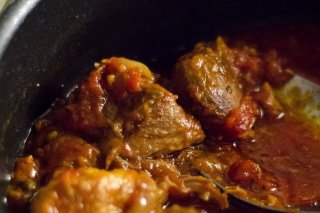 Receta de carne de res en salsa roja