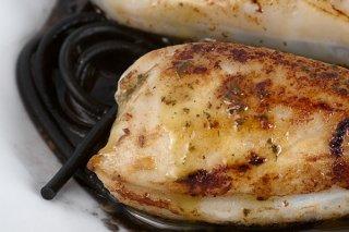 Receta de chipirones rellenos con salsa de tinta de calamar