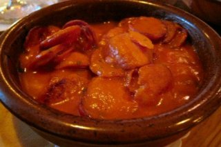 Receta de chorizo en salsa picante