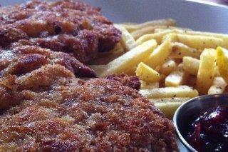 Receta de chuletas de ternera empanadas y fritas