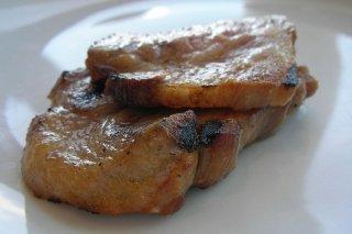 Receta de filetes de lomo con salsa de cebolla y ajo