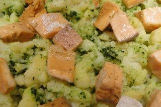 Receta de coliflor con salmón al pesto