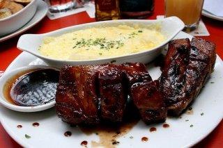 Receta de costillas de cerdo con salsa alioli de almendras
