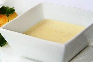 Receta de crema griega de queso feta y yogur