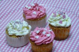 Receta de cupcakes de vainilla con buttercream de queso