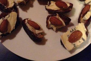 Receta de dátiles rellenos de queso y almendra