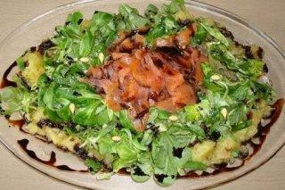 Receta de ensalada con ahumados y manzana asada