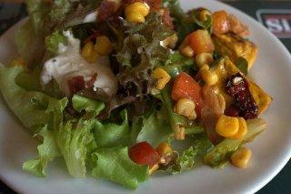 Receta de ensalada con lechuga y pollo