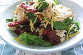 Receta de ensalada de arroz con habas y pimientos