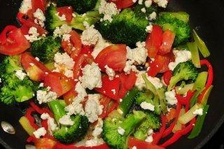 Receta de ensalada de brócoli con tomate