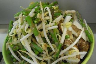 Receta de ensalada de brotes de soja con cebolleta
