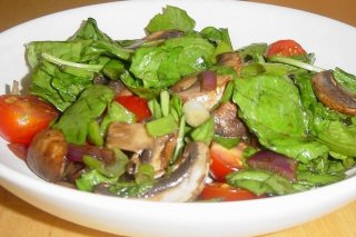 Receta de ensalada de espinaca y champiñones