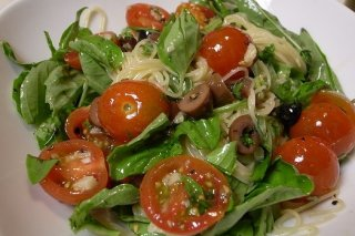 Receta de ensalada de espinacas y fideos chinos