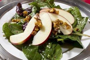 Receta de ensalada de espinacas y manzana roja
