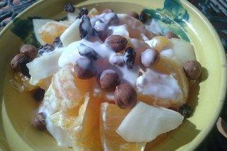 Receta de ensalada de frutas con avellanas