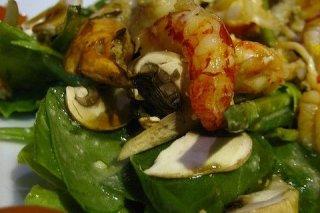 Receta de ensalada de gambas y champiñones