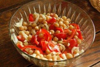 Receta de ensalada de garbanzos con pimiento