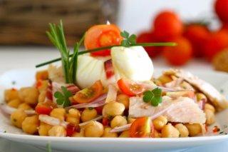 Receta de ensalada de garbanzos con vinagreta de sésamo