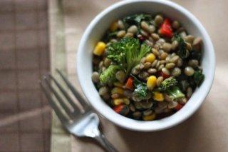Receta de ensalada de lentejas con arroz y verduras