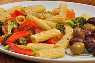 Receta de ensalada de macarrones con brócoli