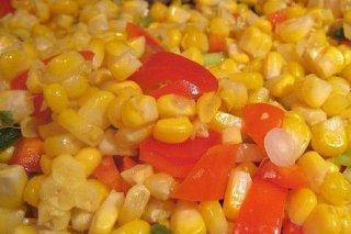 Receta de ensalada de maíz con pimientos