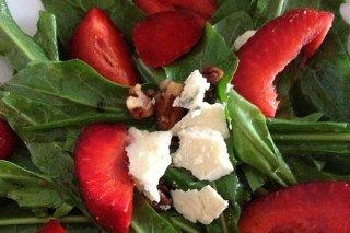 Receta de ensalada de queso y fresas