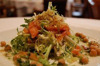 Receta de ensalada de salmón ahumado y queso