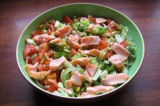 Receta de ensalada de salmón marinado y aguacate