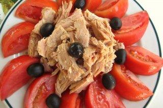Receta de ensalada de tomate y atún