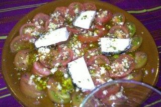Receta de ensalada de tomate y queso de cabra