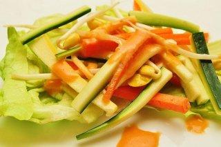 Receta de ensalada de verduras y queso cheddar