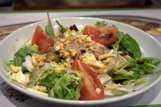 Receta de ensalada mixta con atún