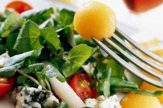 Receta de ensalada mixta con pera y queso