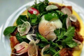 Receta de ensalada templada de huevo poché
