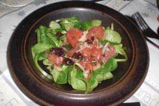 Receta de ensalada de salmón ahumado y uvas